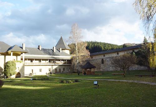 Monastery_sucevita12