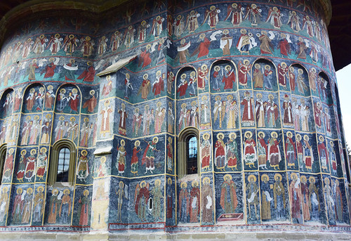 Monastery_sucevita5
