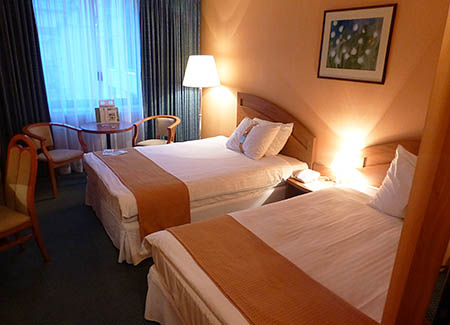 20121015_war_hotel1